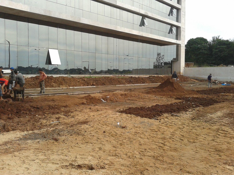 Movimiento de suelo y pavimento en Hotel en Encarnacion